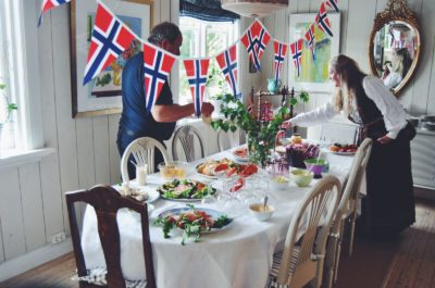 [VIDEO] What does celebrating Constitution Day tell about Norwegians?